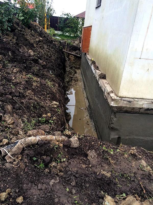 Обмазочная гидроизоляция стен подвала