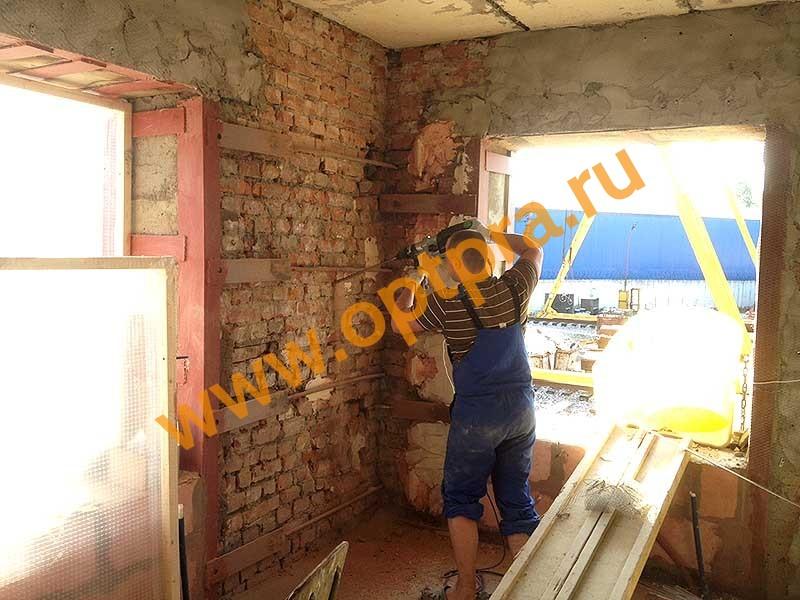 Инъектирование трещины в кирпичной стене