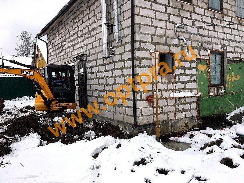 Укрепление фундамента старого дома